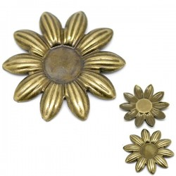 Marguerite applique d'embellissement support de cabochon