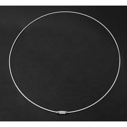 Collier blanc tour de cou fil d'acier