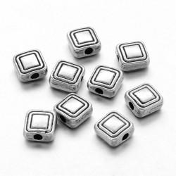 10 perles métal carrées 6 mm style tibétain