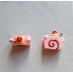 Breloque cupcake en résine tranche gateau rose