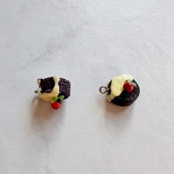 Breloque cupcake en résine gateau rond marron et blanc