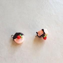 Breloque cupcake en résine gateau rond rose et marron