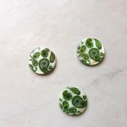 3 Perles rondes et plates en nacre (coquillage) cachemire vert blanc