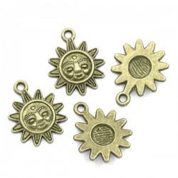 Breloque pendentif en forme de soleil et visage souriant Bronze antique