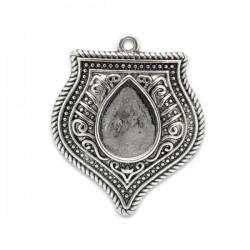 Breloque en forme d'écusson, en métal couleur argent