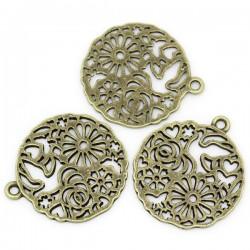 Pendentif rond ajouré motif fleurs, coeur et papillons