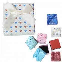 Boite écrin à bijou blanche à coeurs, carrée 4,5 x 4,5 cm